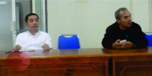 Rusdiansyah Aras dan Maturidi, mantan Ketua PWI Kaltim. (foto:LVL)