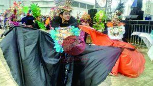 Kostum Karnaval bernuansa Hutan Mangrove persembahan delegasi Balikpapan