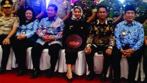 Rita Widyasari diapit Bupati PPU Yusran Aspar dan Wakil Wali Kota Balikpapan Rahmat Mas'ud