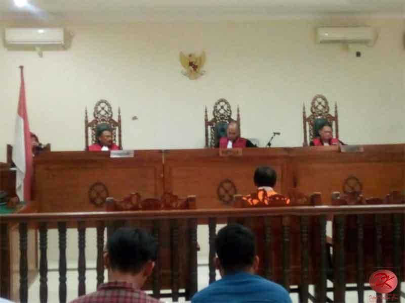 Berbelit-Belit, Achmad AR Sipemalsu Identitas Divonis Hakim 5 Tahun Penjara